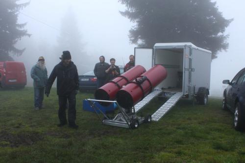 Almberg Sep2012 16 Bino wird entladen